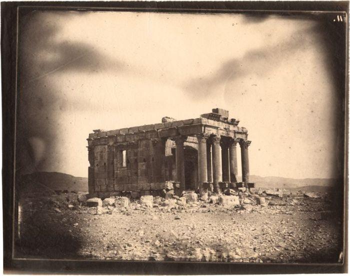 Louis Vignes, Templo de Baalshamin, Palmira, Siria (1864), impresión de Charles Nègre (albúmina)